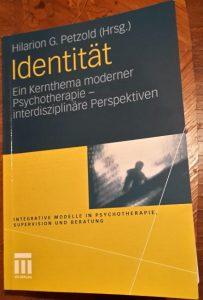 identitaet-cover